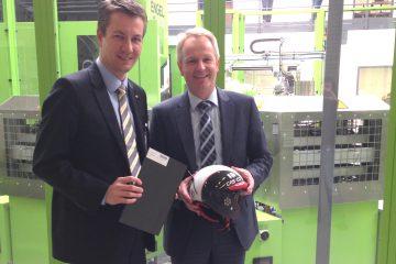 Matthias Kerkhoff MdL besucht Bond-Laminates in Brilon