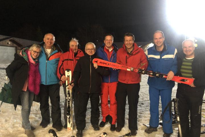 NRW-Landtagsabgeordnete besuchen Wintersport-Arena Sauerland