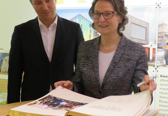 1.290.000,00 Euro für die Dorferneuerung gehen nach Meerhof, Padberg, Medelon, Refringhausen, Wehrstapel, Neuastenberg und Silbach