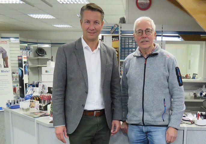 Matthias Kerkhoff besucht Elektrobetrieb Berkenkopf in Hallenberg